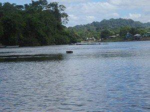 Le fleuve et Vila Brasil au fond